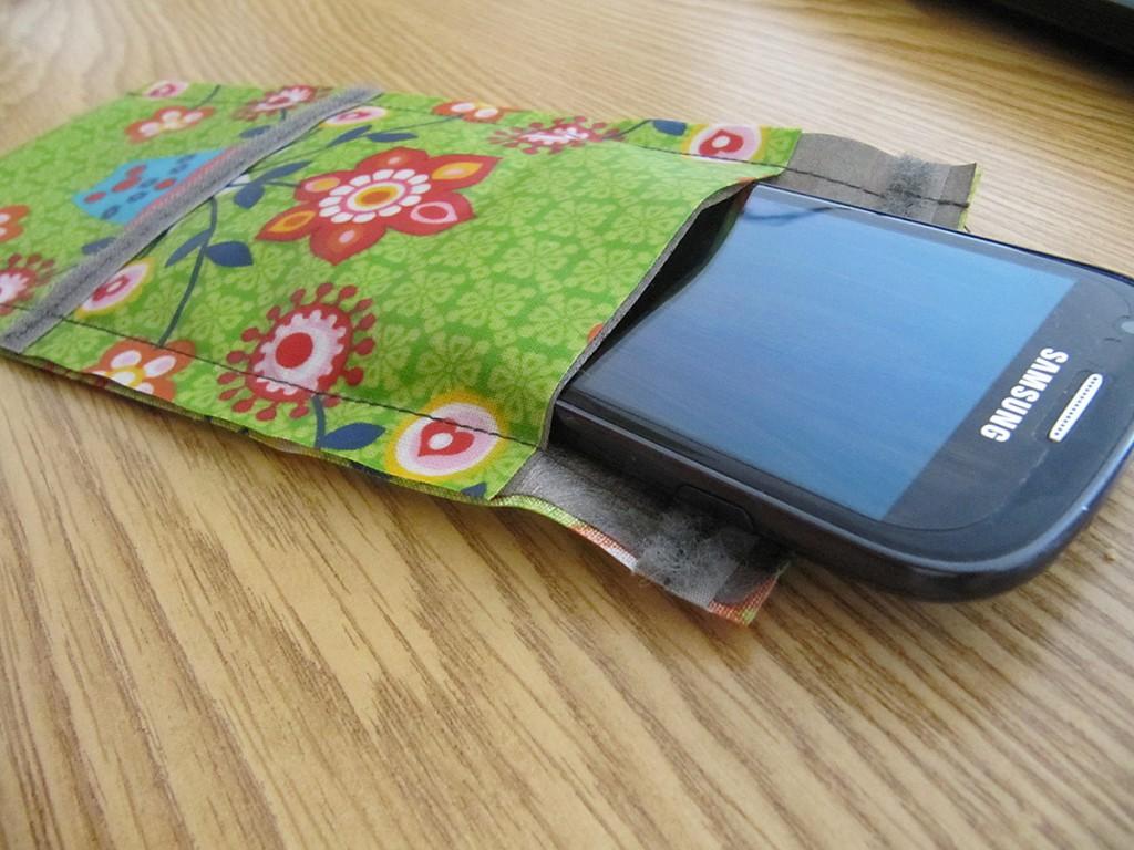 Die Handyhülle von Handy-Auszeit, die ein tragbares Funkloch erzeugt.