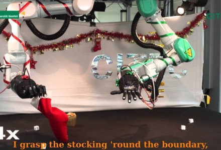 CITEC-Roboterarm als Weihnachtsmann