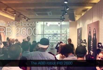 Roboter als Schuhverkäufer