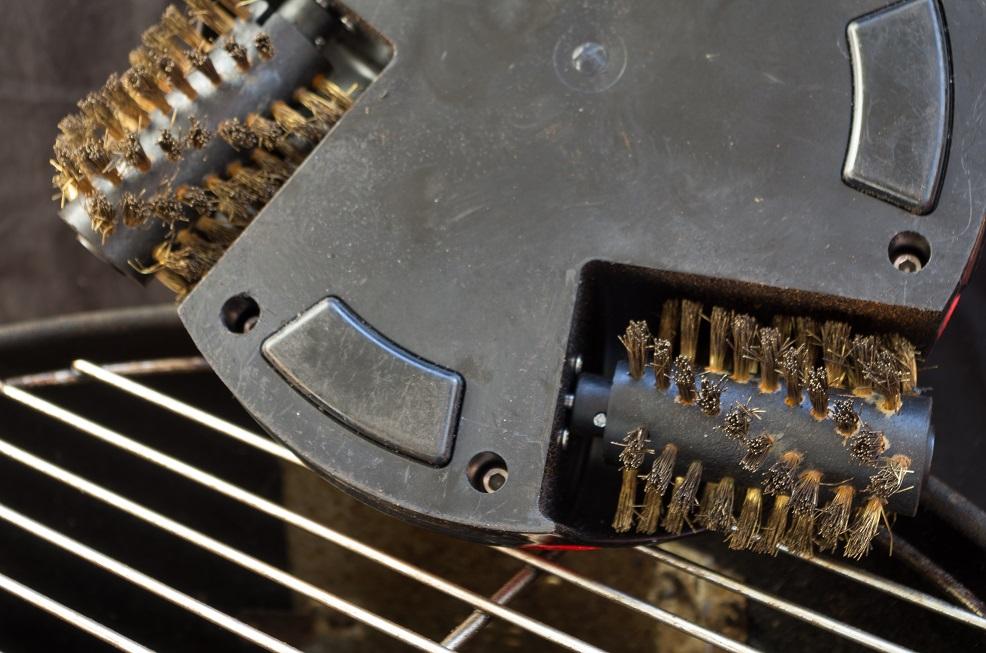 grillbot wenn die drahtb rste berfl ssig wird roboterwelt. Black Bedroom Furniture Sets. Home Design Ideas