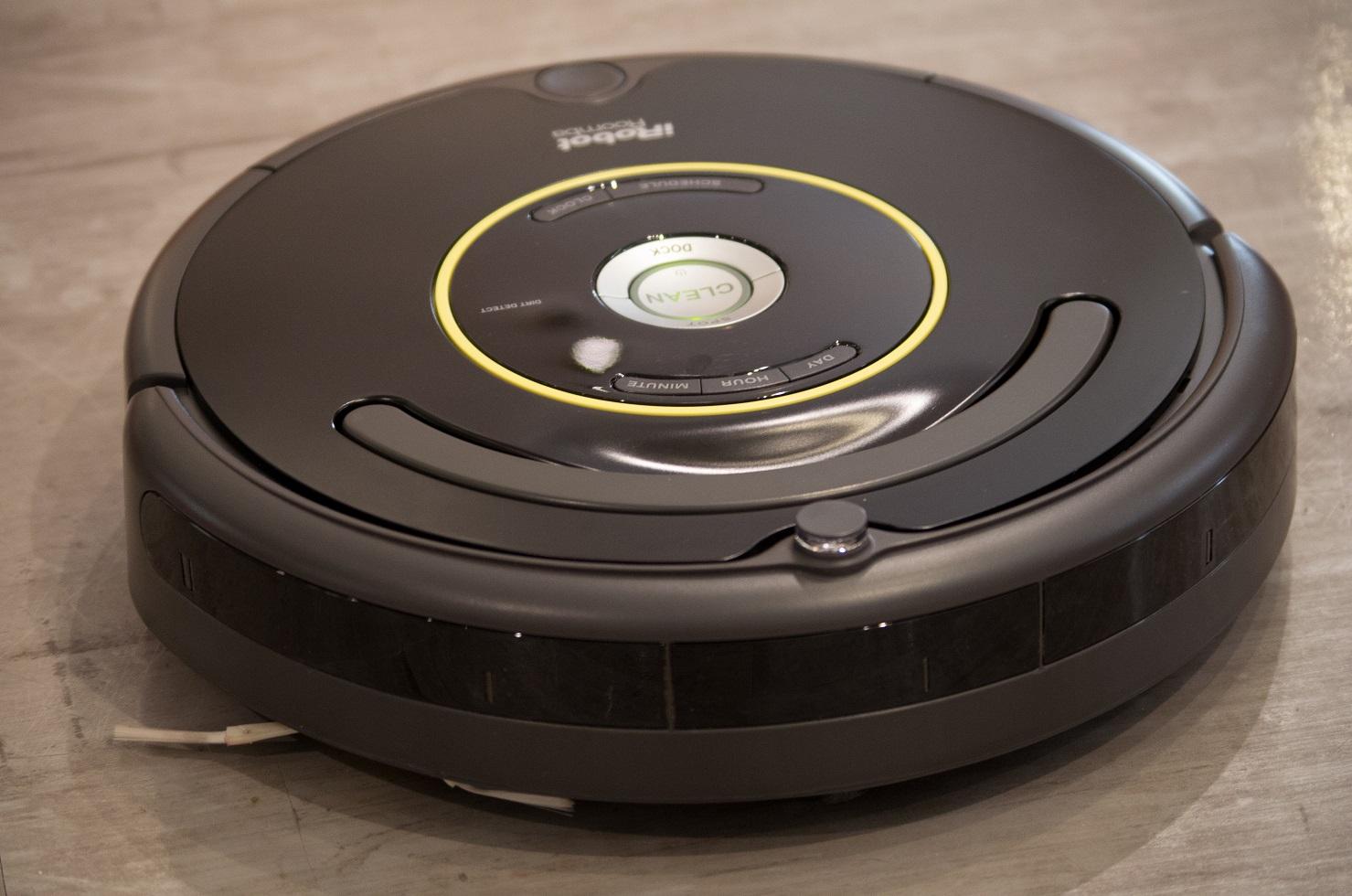 irobot roomba 650 alte besen kehren gut roboterwelt. Black Bedroom Furniture Sets. Home Design Ideas