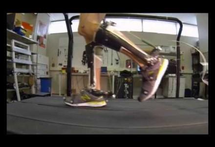 Exoskelett-Schuhe ermöglichen Schlaganfallpatienten einfacheres Laufen