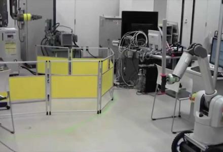 Schwertkämpfender Roboter