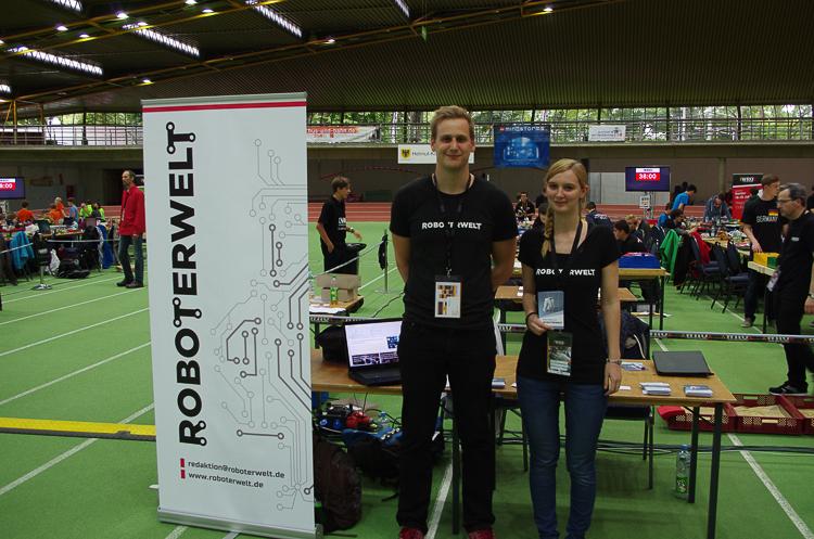 Britta Zachau und Sebastian Scholtysek von Roboterwelt freuen sich, Teil der WRO sein zu dürfen. © Roboterwelt
