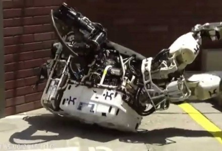 Strauchelnde Roboter