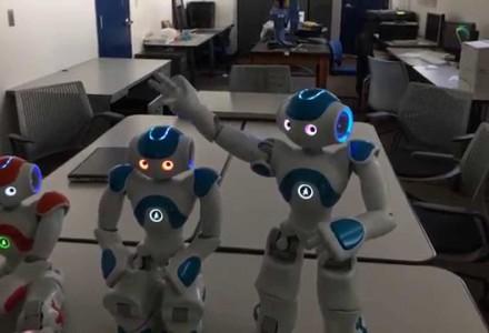 Roboter besteht Selbstwahrnehmungstest