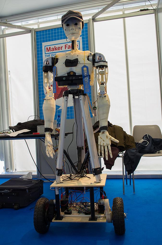Ein humanoider Roboter aus dem 3D-Drucker - auch das gab es auf der Maker Faire Rom.